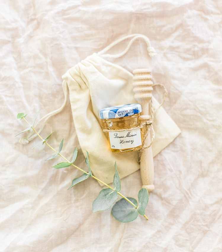 Clonwilliam_House_Wicklow_Ireland_Irish_wedding_venue_Niall_Scully_Johnny_Corcoran_photography_Louise_Dockery_Paper_and_Moon_honey_favour_favors.jpg