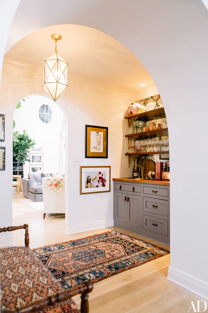 Paper_and_Moon_Louise_Dockery_Pierce_and_Ward_Karen_Elson_Nashville_house_wet_bar.jpg