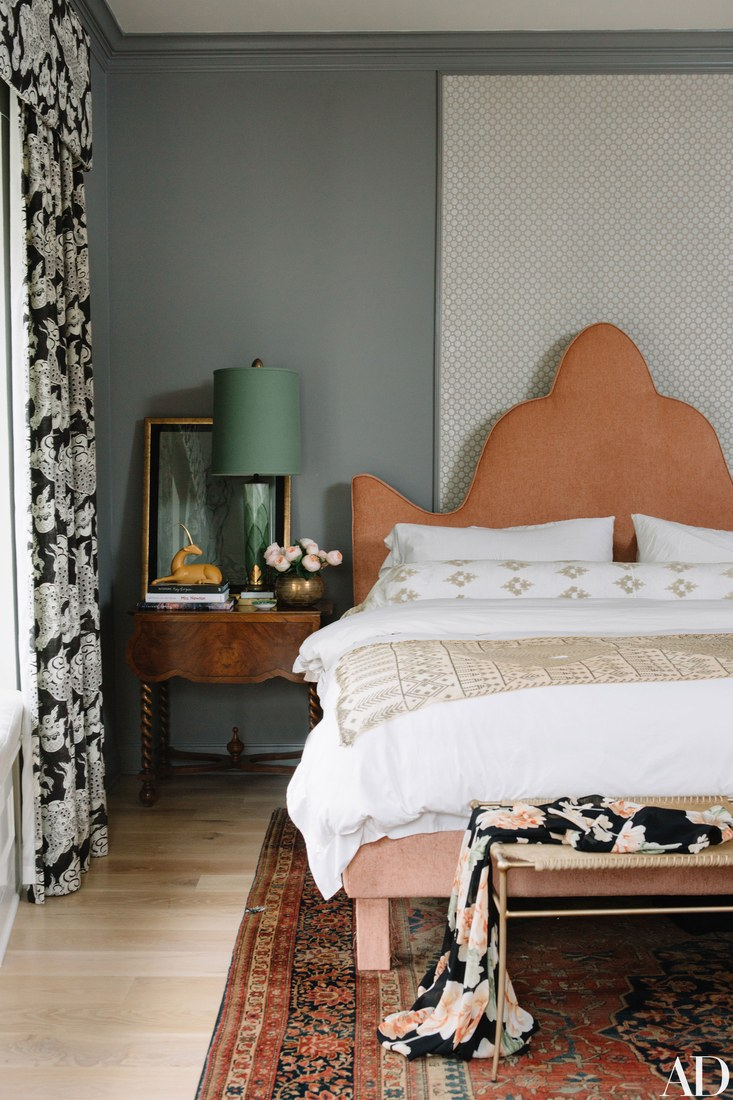 Paper_and_Moon_Louise_Dockery_Pierce_and_Ward_Karen_Elson_Nashville_house_boho_headboard.jpg