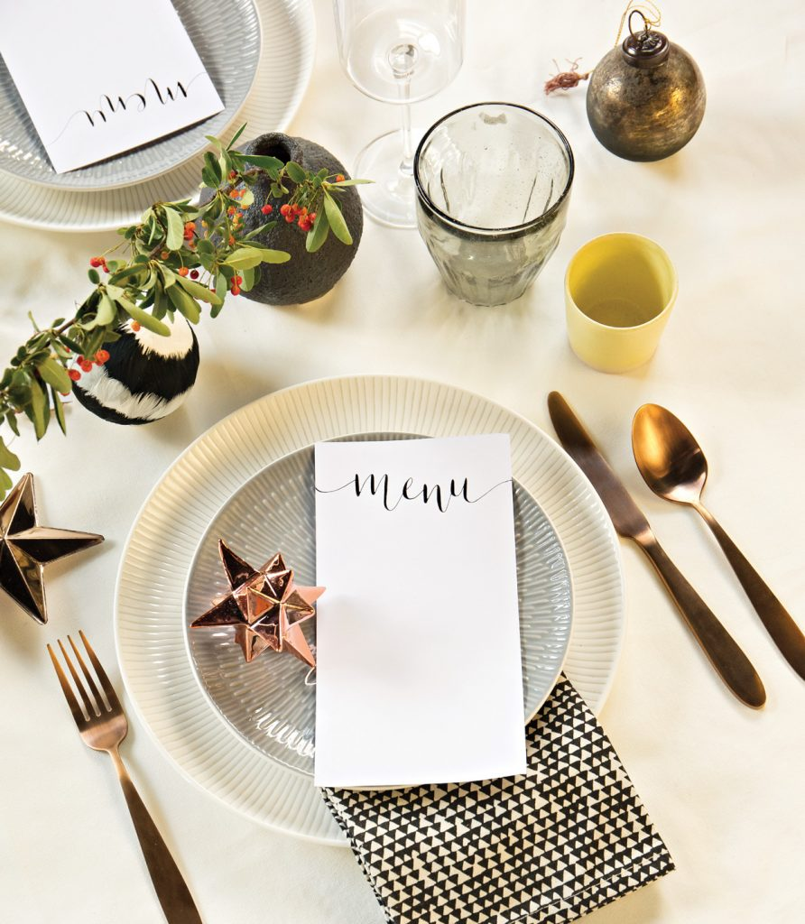 minimal-table-setting-christmas-892x1024.jpg
