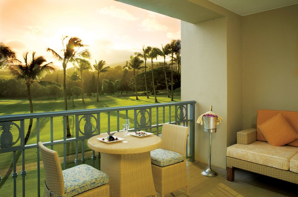 One Bedroom Garden View Suite - Resort View/Golf Course View, 900 Sq Feet, 1 King Bed & 2 Bathrooms. Offers a full size sofa bed and the option to place a twin size roll-away bed into the suite complimentary - $309++(SOLD OUT)