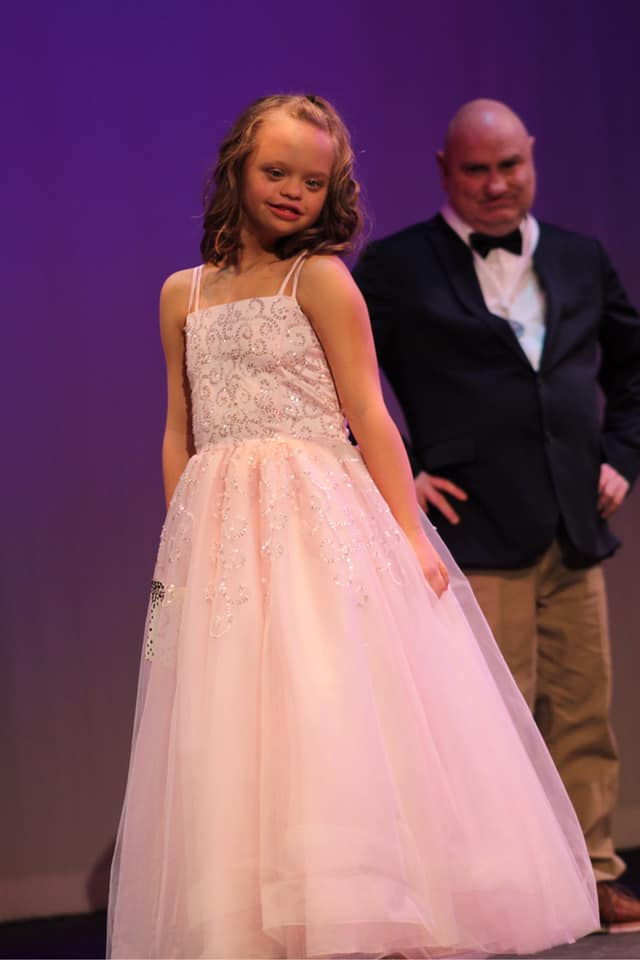 Mississippi Miss Amazing Jr. Teen  | Aubrey Armstrong  Click here to read more about, Aubrey!