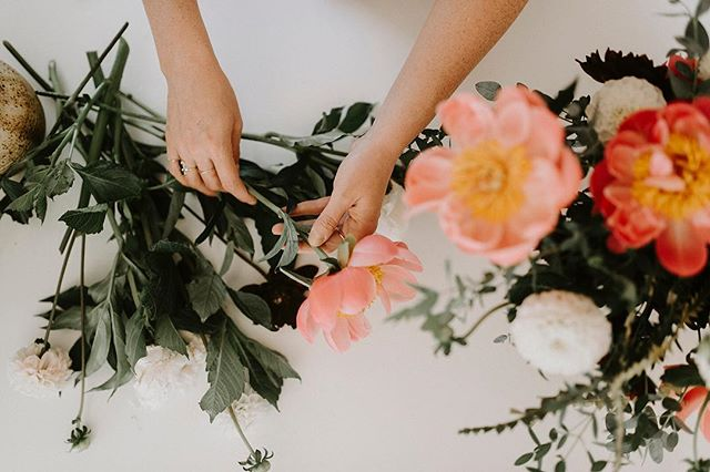 Easter Pop Up @monogramco April 19-21/19 Altadore location! Excited for this one, what's better than a long weekend, coffee + fresh flowers? You can preorder now - link in bio. 📷 @jadegabrielle