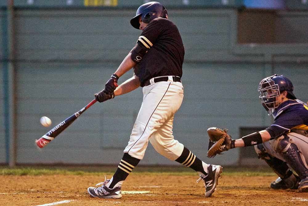 han-20160319-sports-baseball-oregontech-corban-knh001.jpg