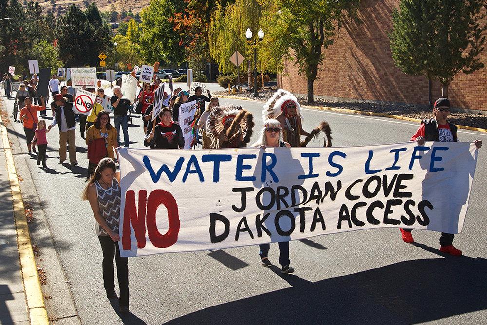 han-20161009-news-jordancoveprotest-knh001.jpg
