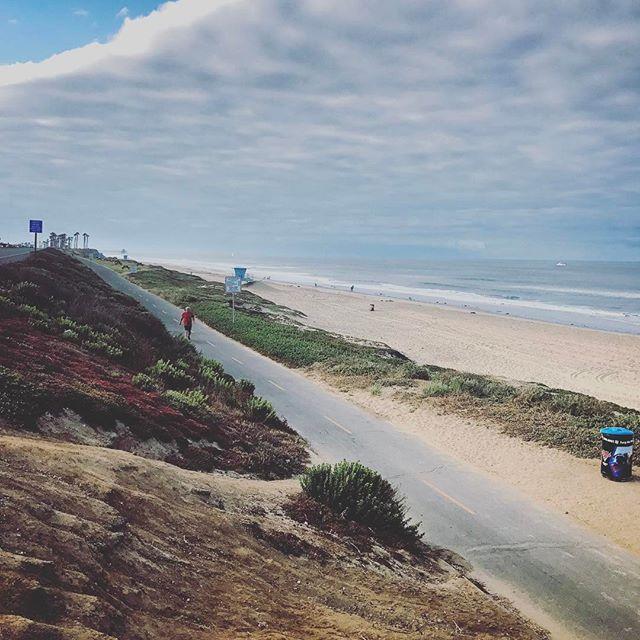 Morning run on the Beach. #huntingtonbeach #ca #california