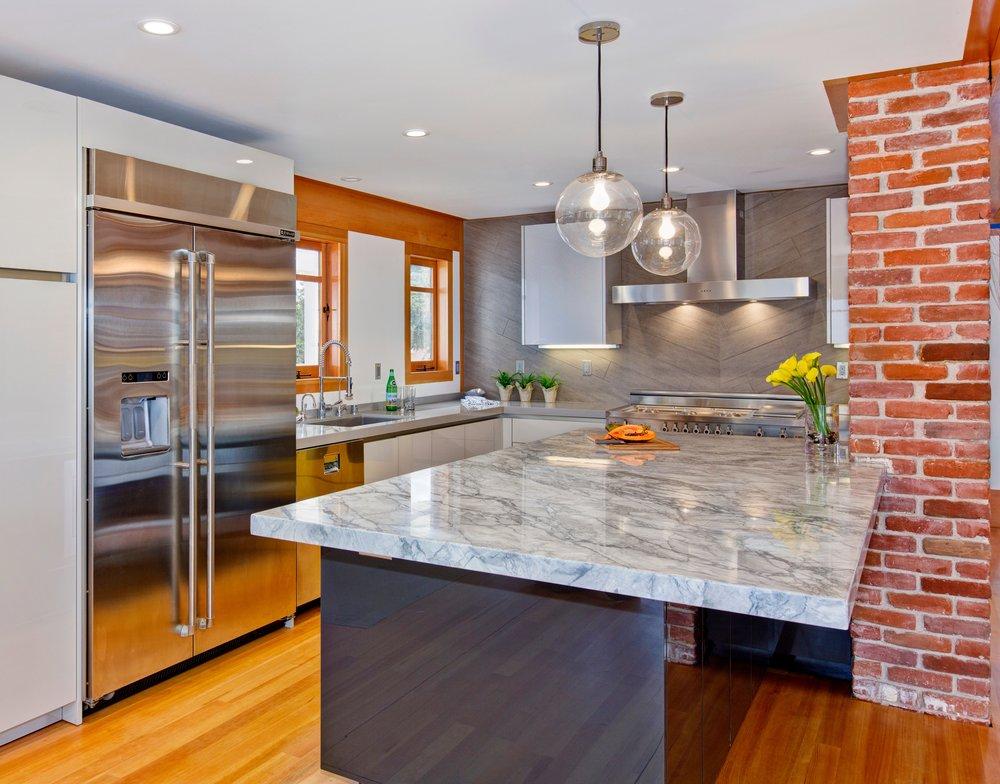 Grey_modern_kitchen_design_san_diego_signature_designs_kitchen_bath_bonnie_bagley_catlin.jpg