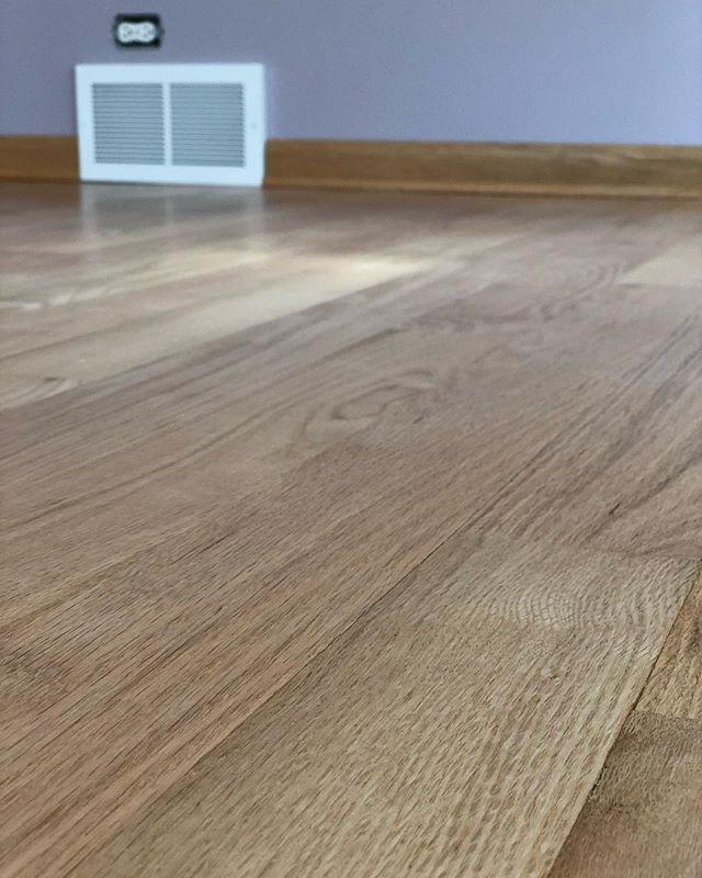 "Basic Coatings Streetshoe NXT on 3"" red oak, Satin - @basiccoatings • • • • • #hardwood #hardwoodfloors #flooring #wood #construction #contractor #chicagoconstruction #oak #cut #architecture #woodwork #craftsman #carpentry #homedecor #interiordesign #grain #sanding"