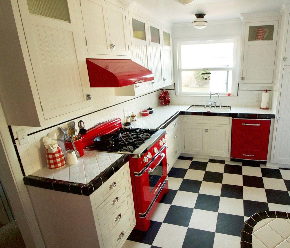 Mid-town Ventura Modern Take on 1950s Kitchen — Native Oak