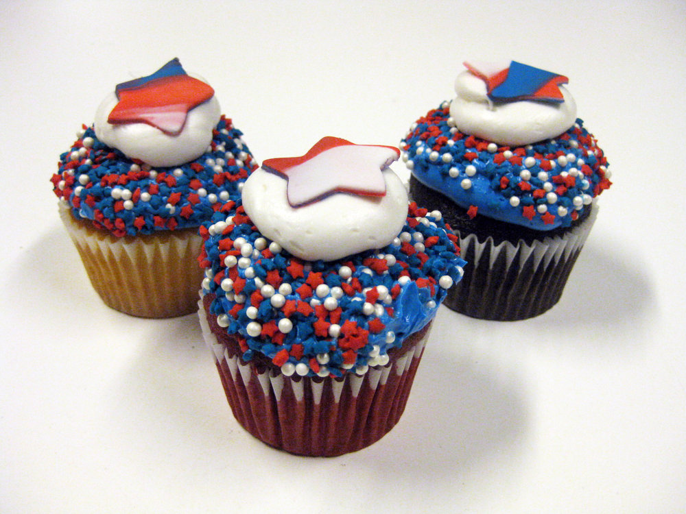 Star Decorated Cupcakes.jpg
