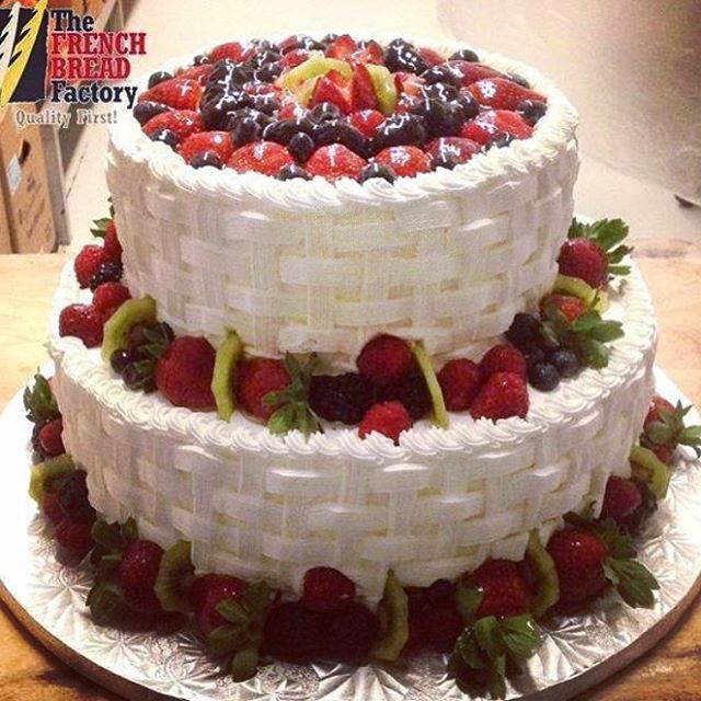 Fruit Basket Cake Thefrenchbreadfactory Cakelovers Fruits Fresh Delicious