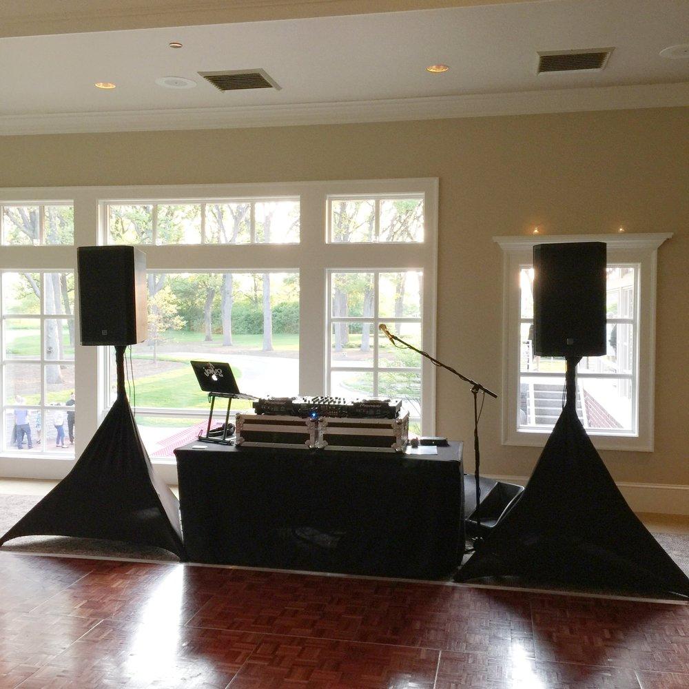 Weddings By D Jones Gold Option Set Up