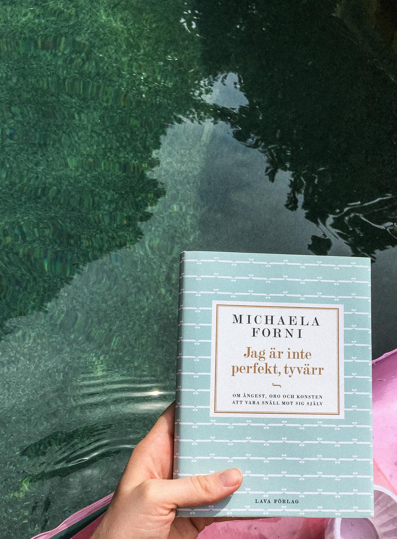 Michaela Forni, Jag Är Inte Perfekt Tyvärr-2.jpg