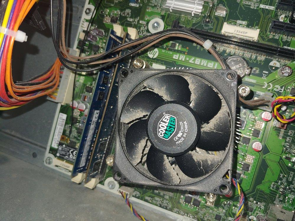 Dirty Desktop 2.jpg