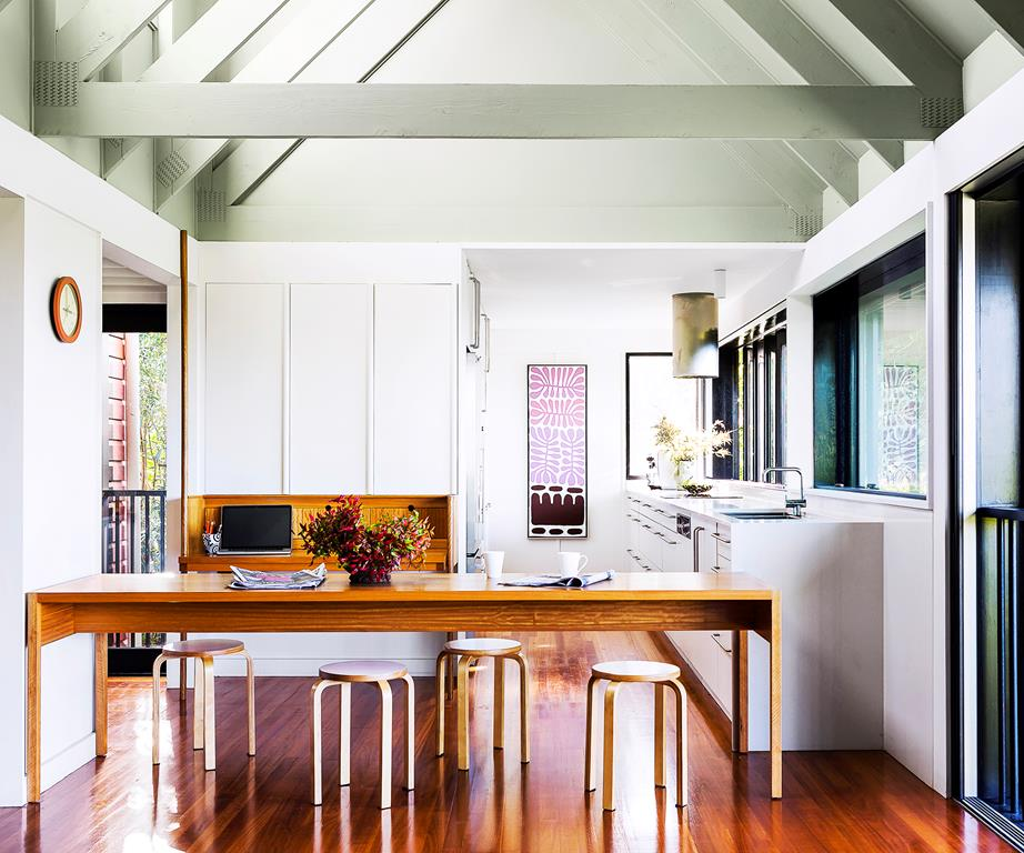 Sandgate House by Owen and Vokes and Peters