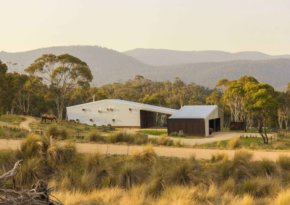 Crackenback Stables by Casey Brown Architecture