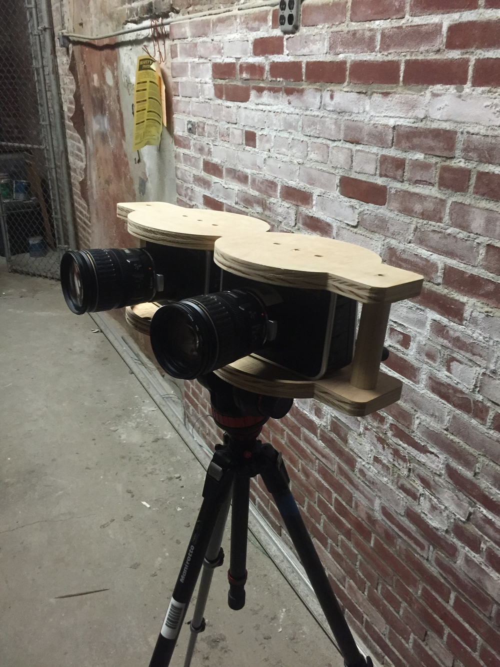 Custom-made rig to film with 2 Black Magic cameras. This DIY trick allowed us to have super wide shoots preserving pixel quality.