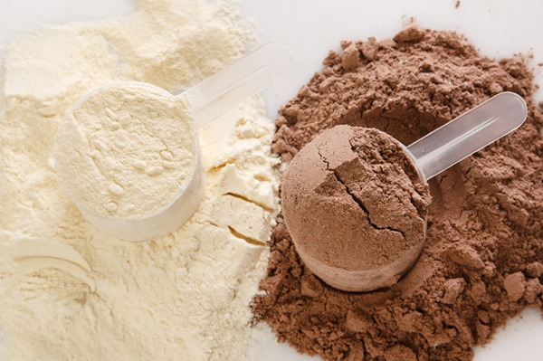 proteinpowderfactsdrkyia.jpg