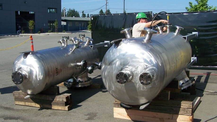 TANKS & PRESSURE VESSELS  -