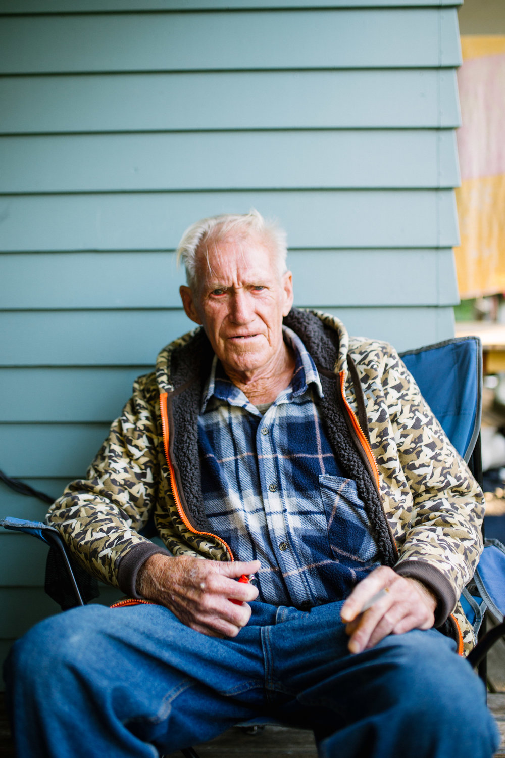 May 7 2017.  In Auckland, New Zealand, my Great Uncle Ken sat on the porch of my second cousin's home, about to light a cigarette. Only a short while after my visit, he passed away on November 29 2017. As one of the few siblings of my Nana that was alive, I feel privileged to have met him during my short time there and gain a sense of her in person.  Out of frame, my Uncle Murray and cousin Lynn sit talking about my father and sharing stories about times they had spent with him. My Great Uncle Ken sat for a portrait as he asked me about school.