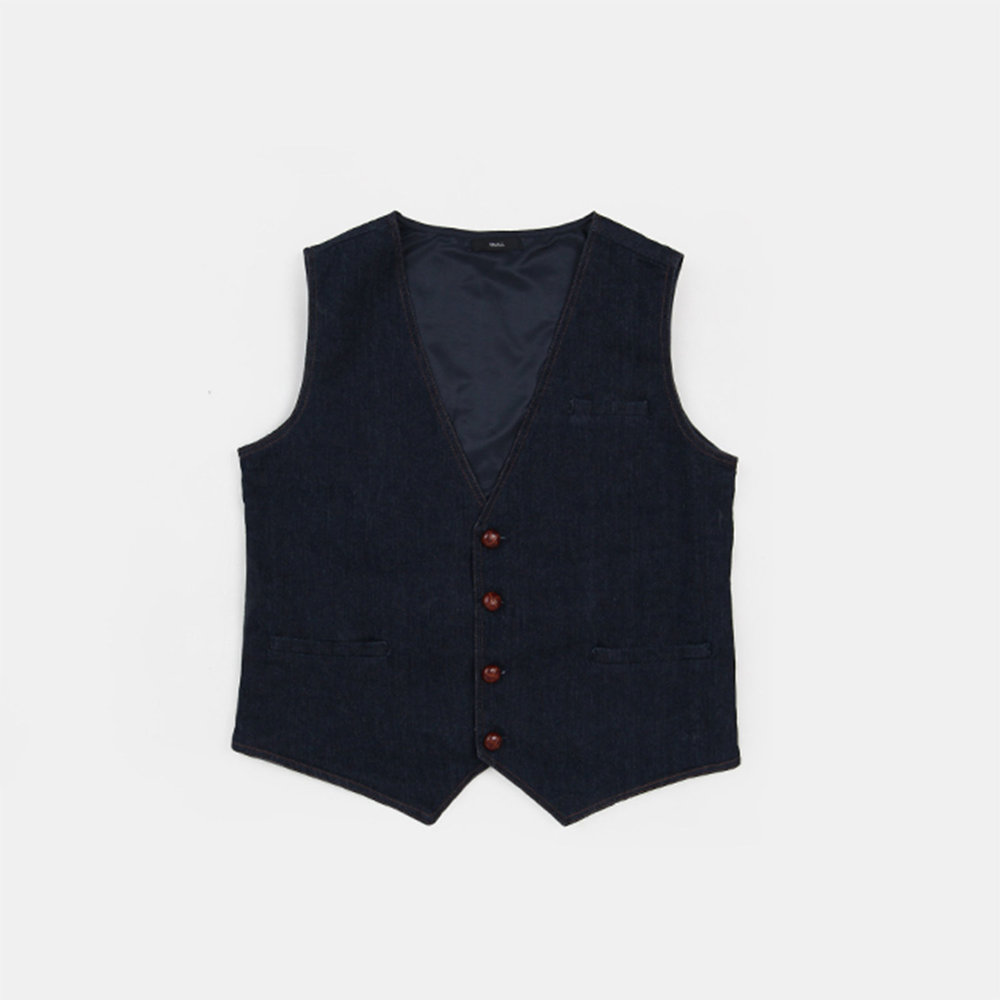 STRAIGHTFORWARD 5   Fabric Used: Dynamic Denim  Custom Application: Plain