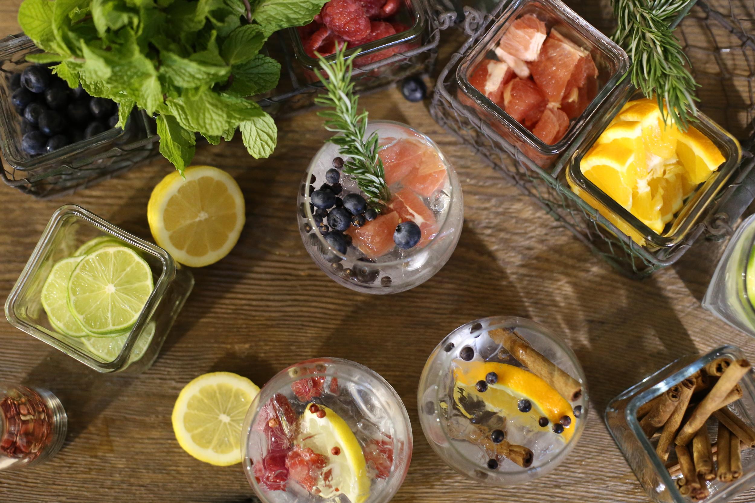 Make Your Own Gin  U0026 Tonic Bar  U2014 Saloonbox Cocktail Kit