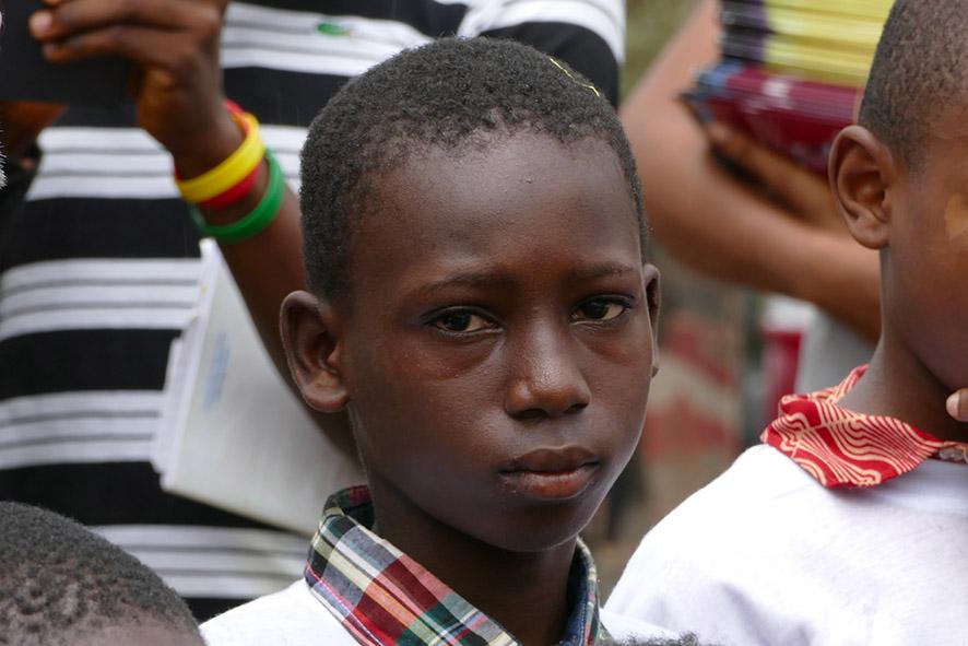 cipre_artiste_sculpteur_inauguration-monuments_16_juin_conakry_capitale_mondiale_du_livre_2017_unesco_9.jpg