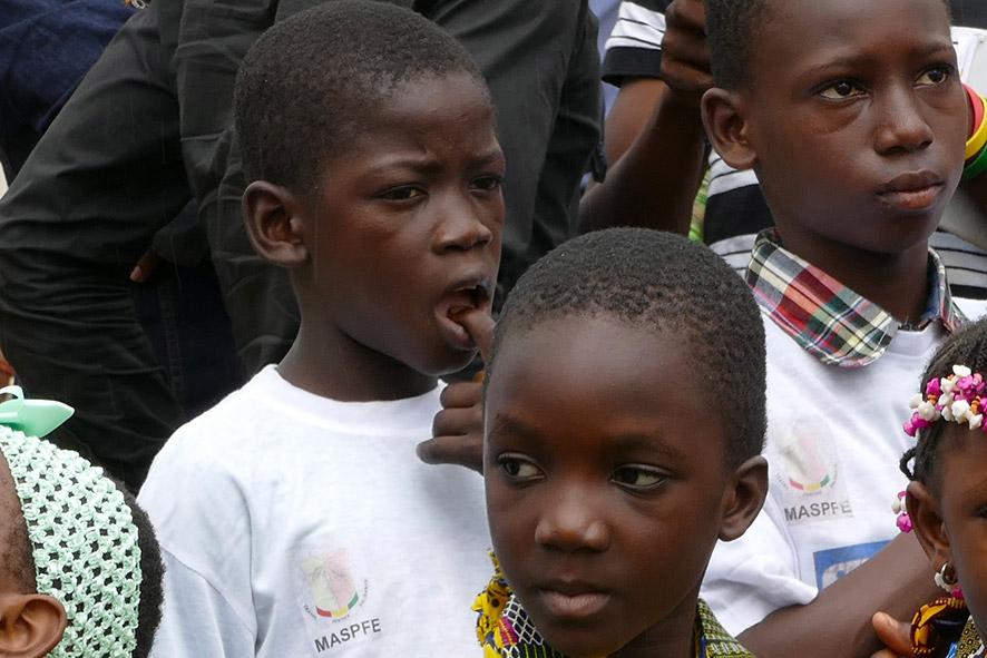 cipre_artiste_sculpteur_inauguration-monuments_16_juin_conakry_capitale_mondiale_du_livre_2017_unesco_16.jpg