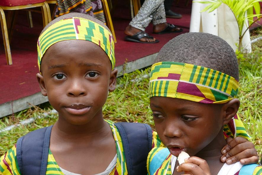 cipre_artiste_sculpteur_inauguration-monuments_16_juin_conakry_capitale_mondiale_du_livre_2017_unesco_22.jpg