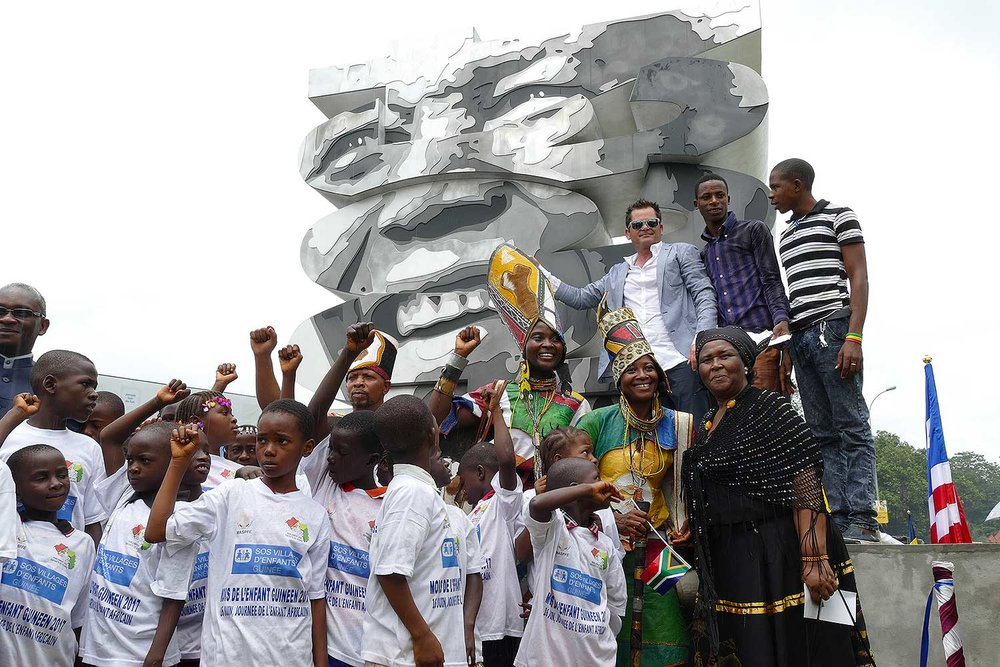 cipre_artiste_sculpteur_monument_conakry_capitale_mondiale_du_livre_2017_unesco_nelson_mandela_46664.jpg