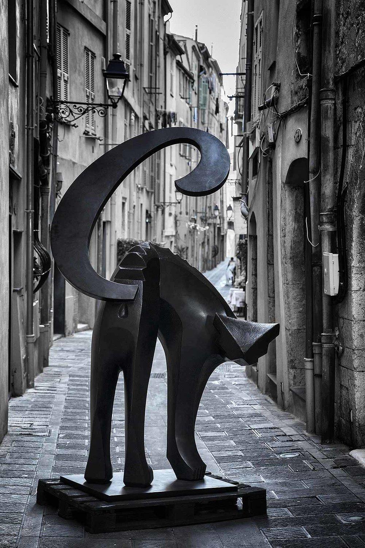 Cat  (2017) | bronze | 230 160 x 70 cm | oeuvre originale | © Jean-Pierre Rey
