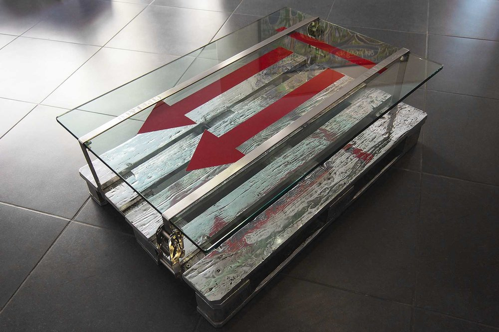 Dream Pack  (2012) | aluminium et dalle de verre | 40 x 118 x 85 cm | oeuvre originale
