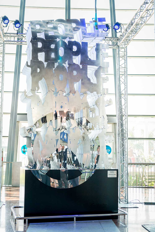 """People""  | aluminium, inox | 480 x 200 x 100 cm | 1/1"
