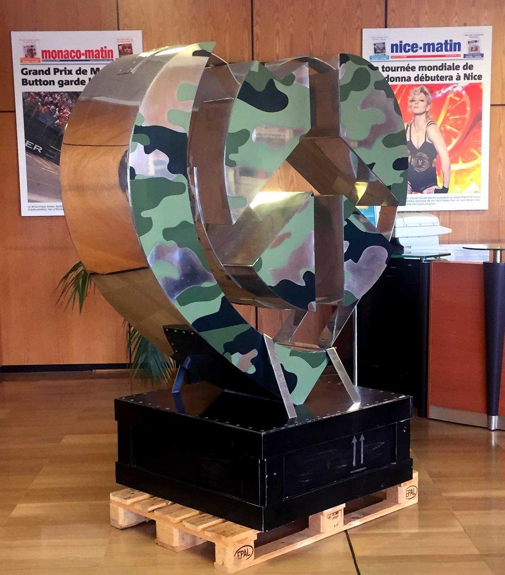 cipre_artiste_sculpteur_peace_and_camouflage_vente_aux_encheres_victimes_attentat_nice_14_juillet.jpg