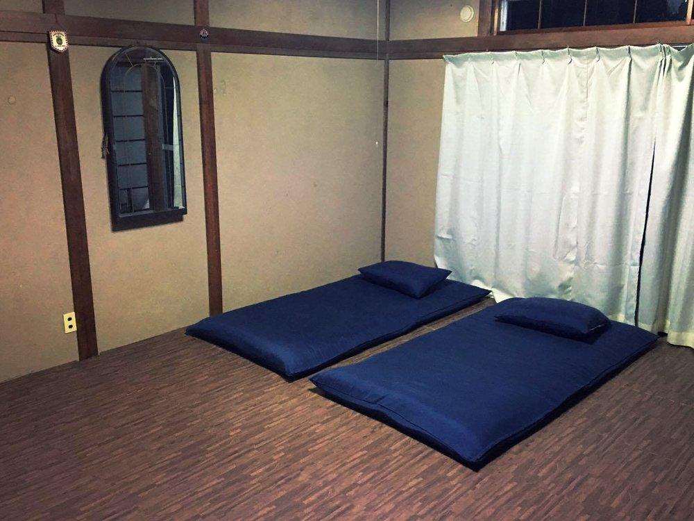 Upstair Room (Max Capacity : 6-7 pax)