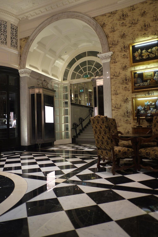 hotel-626168_1920.jpg