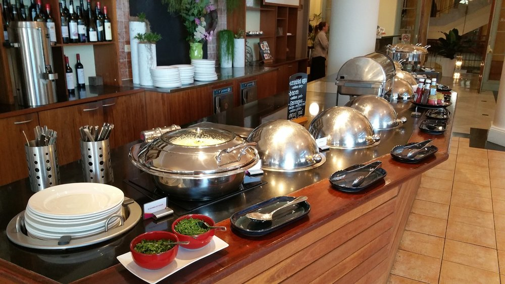 buffet-breakfast-2339903_1920.jpg