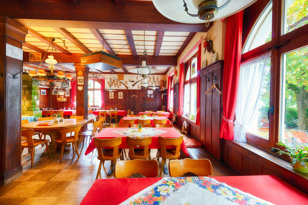 Restaurant Schönmatt innen 5.jpg
