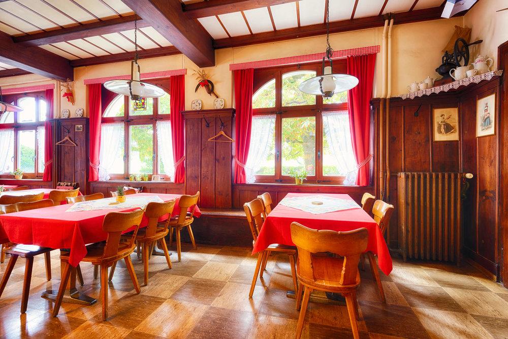 Restaurant Schönmatt innen 4.jpg