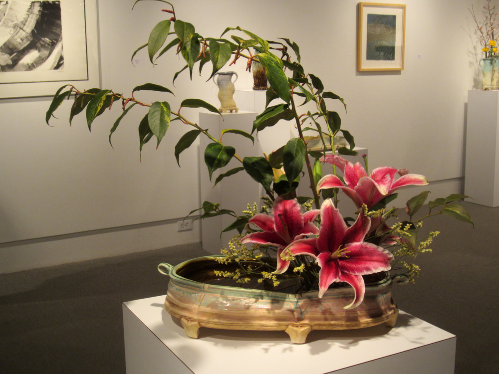 Container by Sue Grier, Flowers by Nancy Gettys, Photo by Patti Quinn Hill