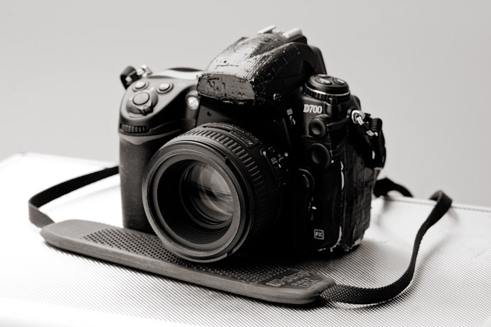 Inside-a-pfofessional-documentary-wedding-photographer-kit-bag-001