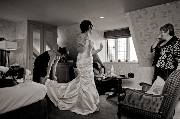 Wedding-photography-at-langshott-manor-006