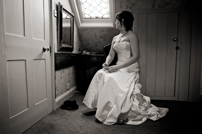 Wedding-photography-at-langshott-manor-008