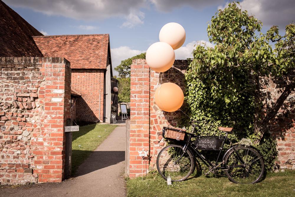Ufton-Court-Wedding-Photos-037.jpg