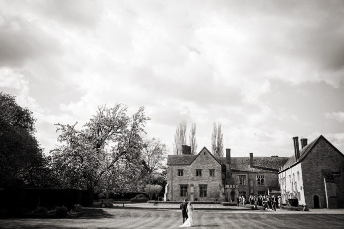Buckinghamshire-Reportage-Wedding-Photographers_017.jpg