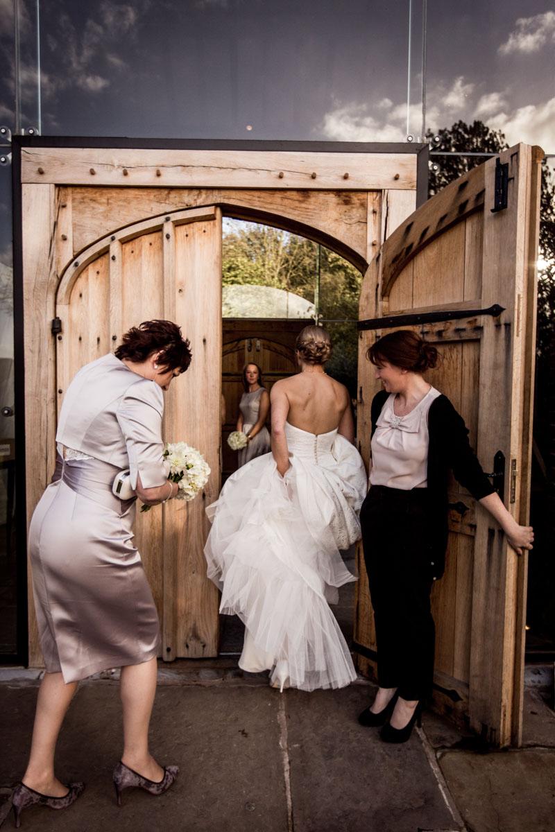 Shustoke-Barn-Wedding-Photography-011.jpg