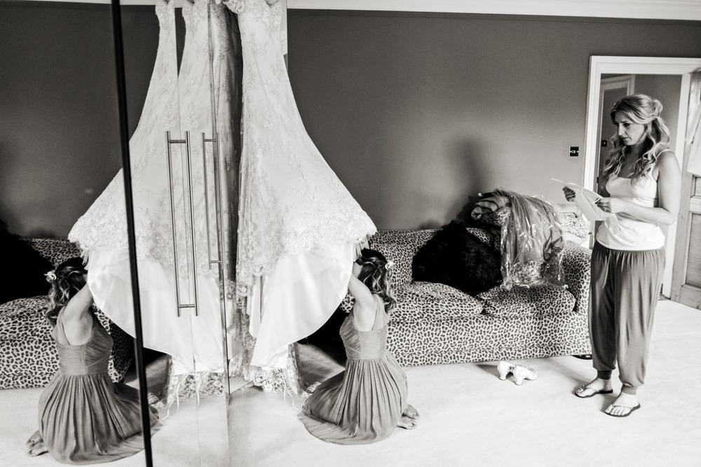 documentary-wedding-photographers-in-surrey-003.jpg