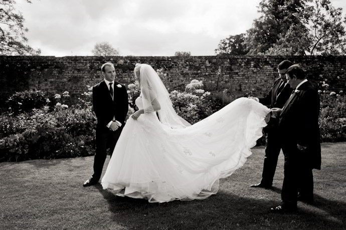 Wedding-Photography-at-Kingston-Bagpuize-House-018.jpg
