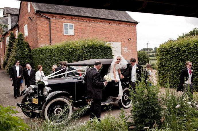 Bury-Court-Barn-Wedding-Photography-015.jpg