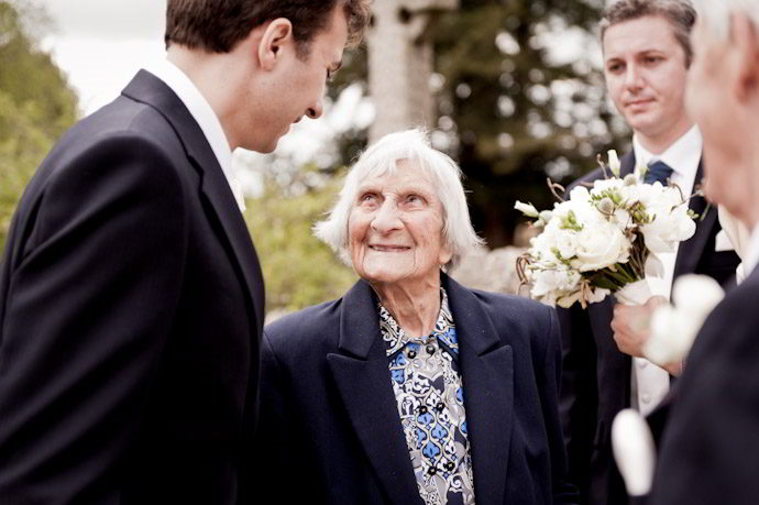 Notley-Abbey-Wedding-Photography_035.jpg